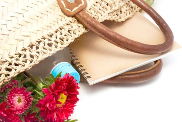 コンビ素材の夏バッグのお手入れはどうすればいいの?