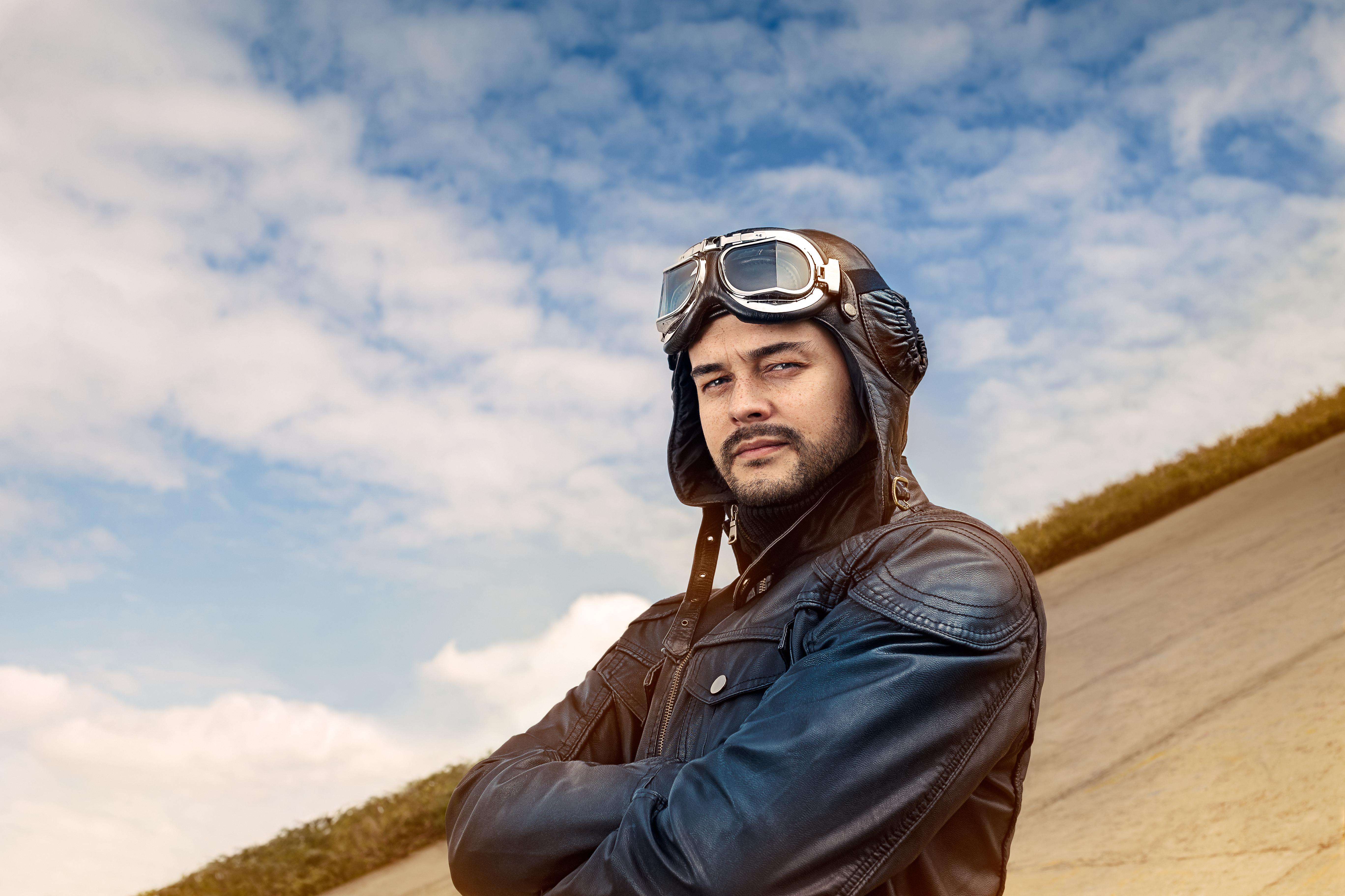 男性に人気のフライトジャケット 革の特徴と基本のお手入れ方法