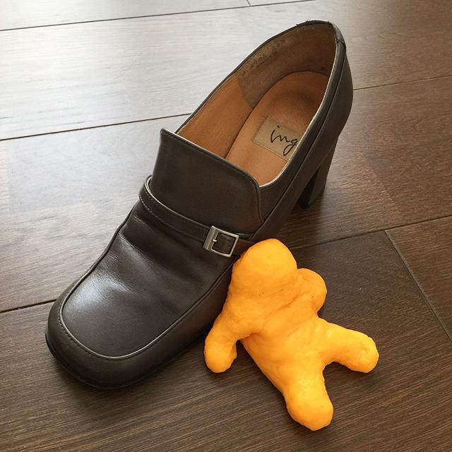 すみっこお手入れスライムのすすめ 革靴やお財布の除菌・消臭にも