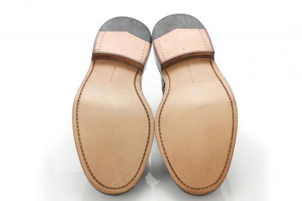 雨に負けない!レザーソール(靴底)の防水ケアをするお手入れ方法は?